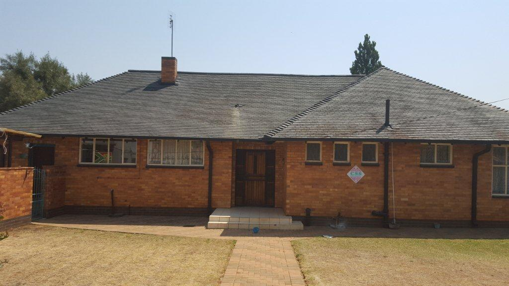 3 BEDROOM HOUSE IN STILFONTEIN MASTERS REF: T21295/14