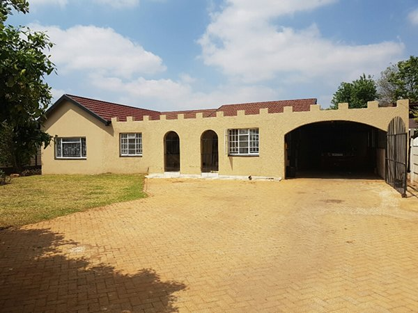 4 BEDROOM HOUSE Erf 558 STRUBENVALE SPRINGS
